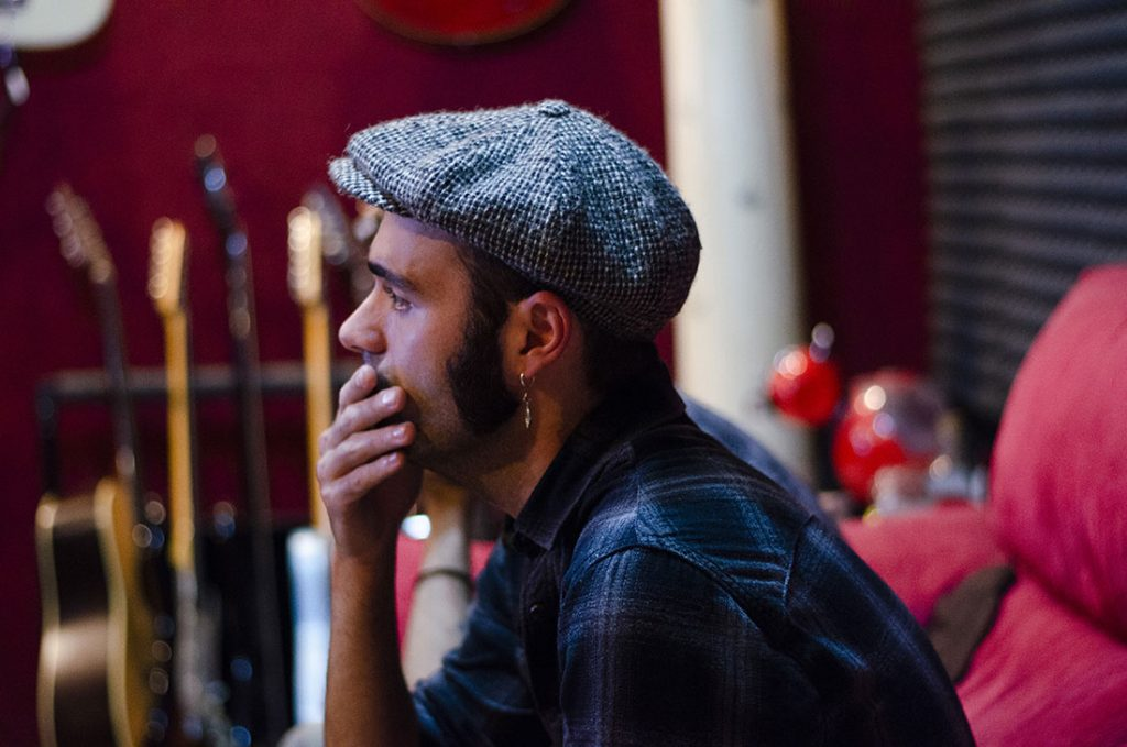 Luis Carrillo musica, cantautor valenciano, españa. Musica. Valencia.